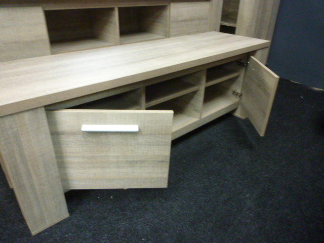 Tv Kast Dressoir Eiken.Set Dressoir Tv Kast En Hoge Kast Eiken Decor Hoekbanken Nl